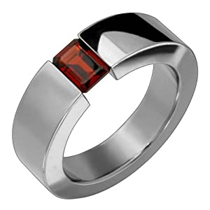 Dayna - size 5.00 Titanium Ring with Tension Set Garnet