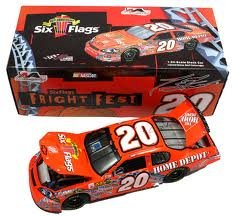 Tony Stewart #20 Diecast 2006 Home Depot Six Flags Fright Fest Nascar 1:24 Car by Motorsport Authentics