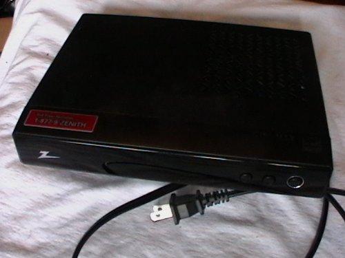 zenith-dtv-tuner-converter-box-model-dtt901
