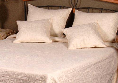 Tache 5 Piece Floral Matelassé Celtic Cathedral Bedspread Quilt Set King