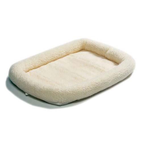 Midwest Quiettime Sheepskin Pet Bed 24X18