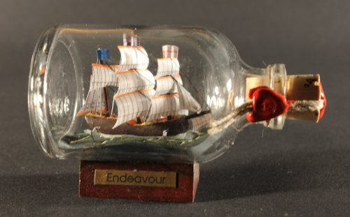 Endeavour Captain Cook Mini Buddelschiff