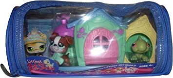 Littlest Pet Shop Winter Playset ~ 3 Pets with Holiday House by Hasbro