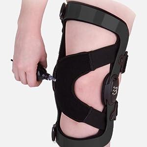 20.50 Patellofemoral Knee Brace, Right Medium by Bledsoe