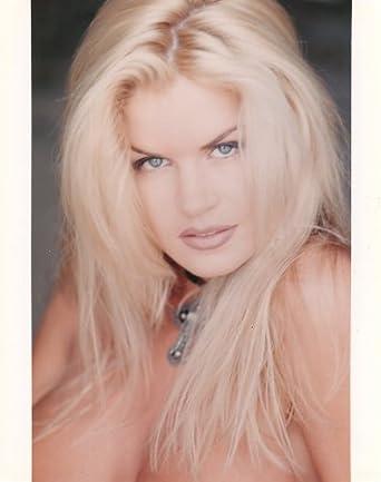 Neriah Davis Nude Photos 26