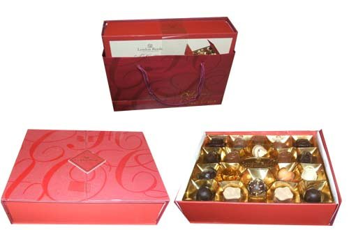 Lyndon Reede Fine Chocolate Collection Belgian Holiday Christmas Assortment Gift 17.6 Ounce Box
