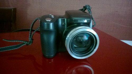 Kodak EasyShare ZD710 Digital Camera, 7.1 Megapixel, 10x Optical + 5x Digital Zoom (Digital Camera Kodak compare prices)