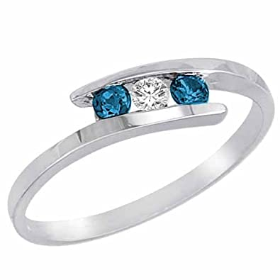 Ryan Jonathan Brillante Three Stone White and Blue Diamond Ring in 14ct White Gold (1/4 cttw)