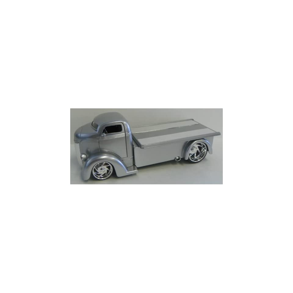 Jada Toys 1/24 Scale Diecast Big Time Kustoms 1947 Ford Coe in Color Silver
