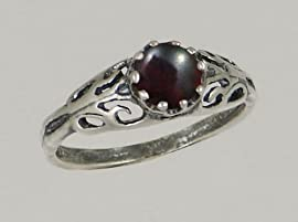 A Beautiful Sterling Silver Filigree Ring Featuring a Lovely Bloodstone Gemstone