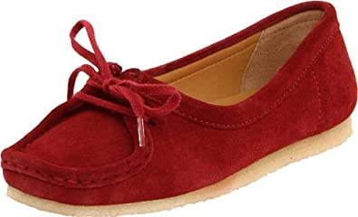 Clarks Women's Wallabee Chic Slip-On Loafer,Red Suede,7.5 M US