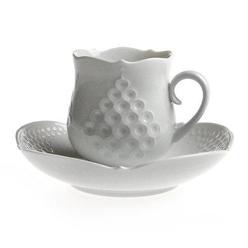 【送料無料祭】マイセン (Meissen) ホワイトレリーフ コーヒーカップ&ソーサー 26582