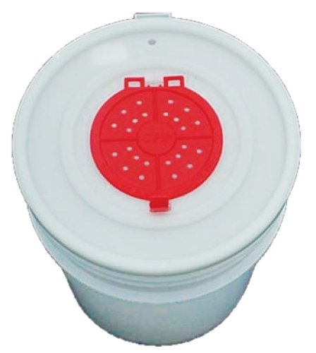 Challenge Bucket Lid 5 Gallon  Bait Opening