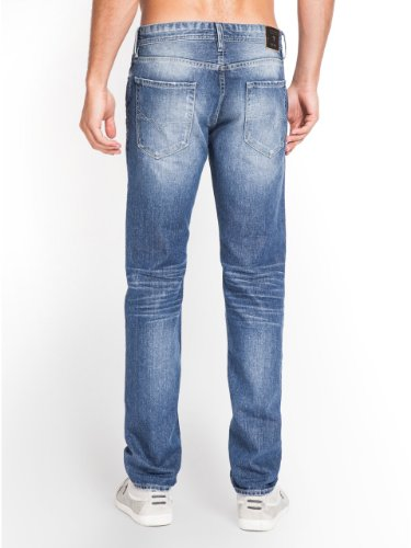 GUESS Robertson Jeans in Bureau Wash, 30 Insea