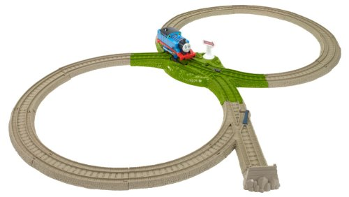 Thomas the Train: TrackMaster Deluxe Starter Set - 1