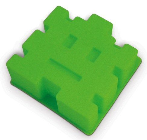 Retro Arcade Space Invaders Cake Mold