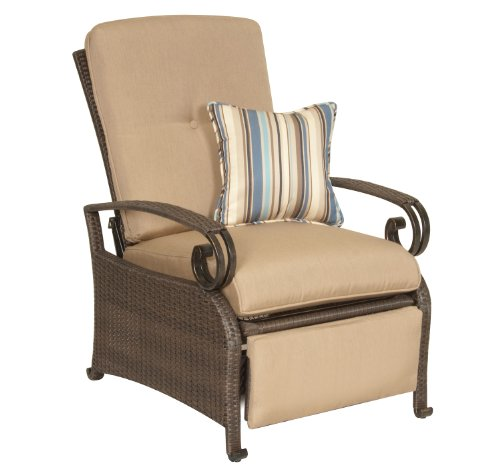 Lake Como Patio Recliner by La-Z-Boy Outdoor picture