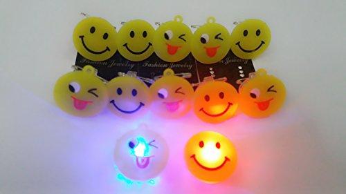 Gifts Online 12 Smiley Led Badges