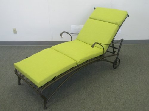 SANTA FE IRON PATIO or PORCH CHAISE LOUNGE in an BROWN FINISH - LIME GREEN CUSHION