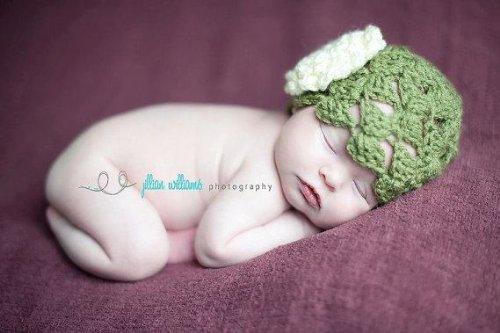 Crochet Newborn Hat Pattern front-1000923