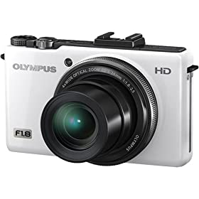 Olympus XZ-1 228005 10 MP Digital Camera with 4x iZuiko Zoom and 3.0-Inch Amoled Monitor (White)