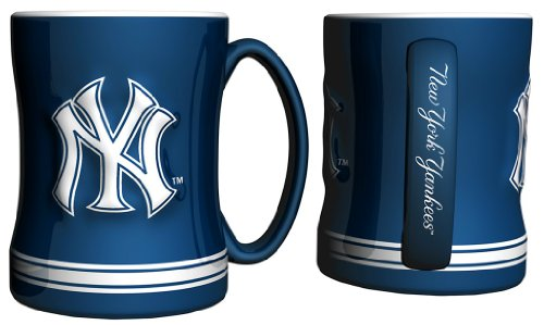 MLB New York Yankees Relief Sculpted Mug, 15-ounce (Ny York Yankees compare prices)