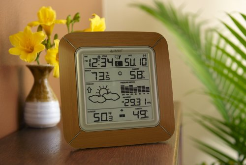 La Crosse Technology WS-9057U-IT Forecast Station with Barometer, Temperature, Humidity and Moon Phase, Alarm