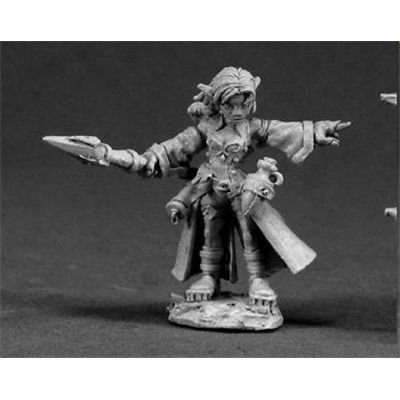 Cassie, Female Gnome Wizard by Reaper Minatures