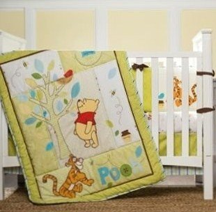 Disney Retro Pooh 3 Piece Bedding Set - 1