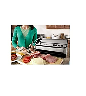 Foodsaver V4880 Fully Automatic Vacuum Sealing System Bonus: Handheld Sealer, Freshsaver Container, Wine Stopper from foodsaver