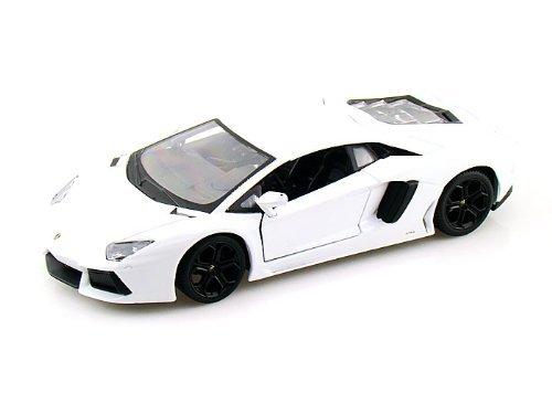 Maisto 1:24 Lamborghini Aventador LP700-4 White (Lamborghini Aventador Model compare prices)