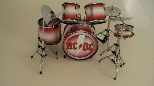 rgm300-acdc-kits-de-batterie-miniatures-rock-guitar-miniatures-brian-johnson-malcolm-young-phil-rudd