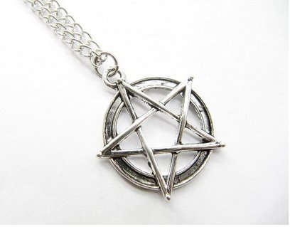 Ancient Silver Pentagram Necklace Supernatural Pentacle Pendant Protection Amulet Wiccan Jewelry (Supernatural Protection Amulet compare prices)