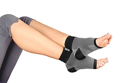 plantar-fasciitis-socks-foot-care-compression-sock-sleeve-with-arch-ankle-support-and-heel-hugger-in