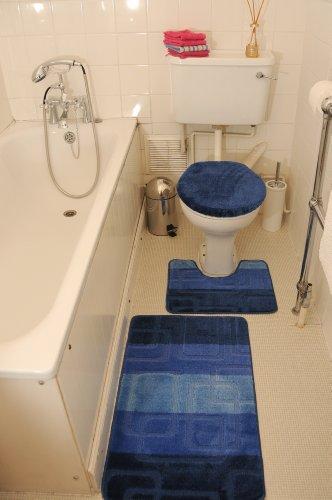 blau 3 teiliges badezimmergarnitur badematten wc vorleger bezug toilettendeckel set bathroom. Black Bedroom Furniture Sets. Home Design Ideas