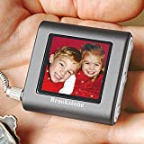 BROOKSTONE PICTURE BOOK MINI DIGITAL PHOTO KEY CHAIN - HOLDS 56 COLOR PHOTOS, BUILT IN 8 MB OF MEMORY, AUTO RESIZE PHOTOS TO FIT SCREEN, HIGH RESOLUTION 1.4