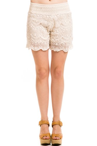 Stretch Scalloped Lace Shorts in Ivory