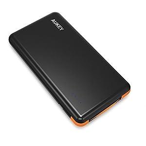 AUKEY Cargador Externo 8000mAh, Cargador 5V/ 2A para iPhone iPad, iPod, Smartphone, teléfono celular, MP3, MP4, PSP, GPS Gopro, Samsung Android y otros