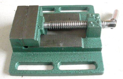 切断・穴あけ作業の固定に 卓上万力 作業台に置くだけ簡単設置