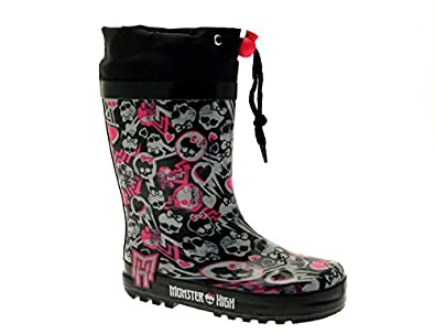 We'll take thrift shop or hand-me-down rain boots and give them new life by decorating them with Monster High Characters. Note for crafty moms: You can use this technique for transforming boys boots into girls boots or vica versa!