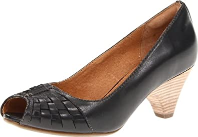 Clarks Women's Zaya Path Peep-Toe Pump,Black,6 M US