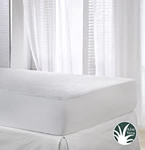 Velfont Waterproof and Breathable Aloe Vera Mattress Protector with Skirt from Velamen
