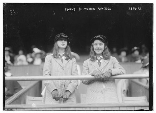 Photo Fanny and Marion Wickes 1900