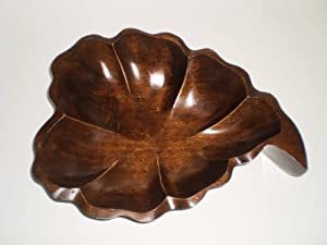 Leaf Design Mango Wood Fruit Bowl