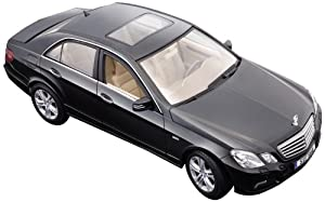 2009 Mercedes E Class 1:18 Diecast Model Car - Assorted Colors by Maisto