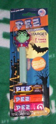 DRACULA PEZ Store Exclusive Halloween 2010 - 1
