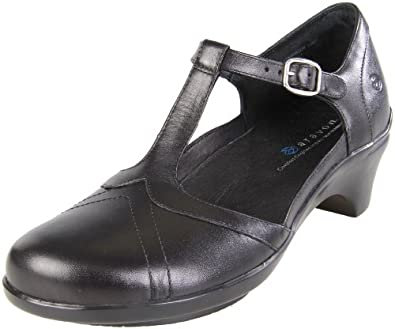 Amazon.com: Aravon Women's Maura Mary Jane Pump: Shoes