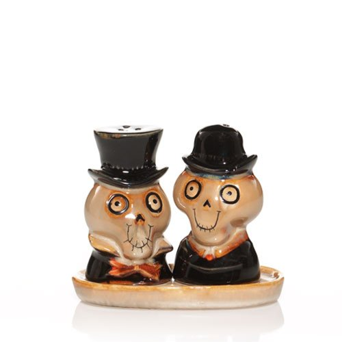 2010 Yankee Candle Halloween Boney Bunch - Salt & Pepper Shakers