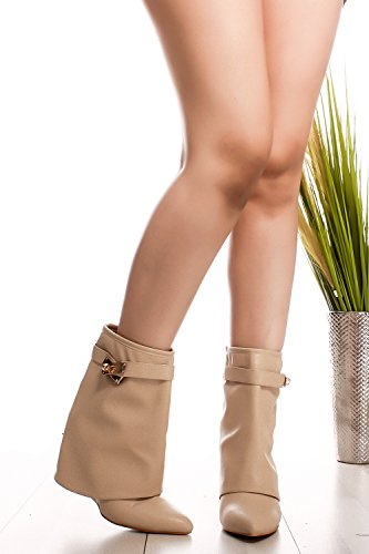 CJ SHOES FAUX LEATHER POINTED TOE BUCKLE WEDGE BOOTS 9 nude