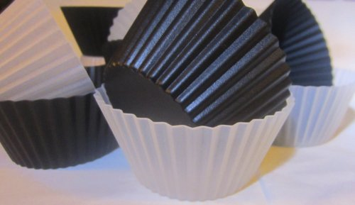 15% Off Reusable Silicone Baking Cups: Set Of 12 Pleated Cups Great For Cupcakes, Muffins, Candy, Chocolates, Ice Cubes, Jello, Soap, Candle Molds, Replace Traditional Liners, Papers Or Wrappers, Must-Have Bakeware : Use Instead Of Your Muffin Pan -- 1 Ye